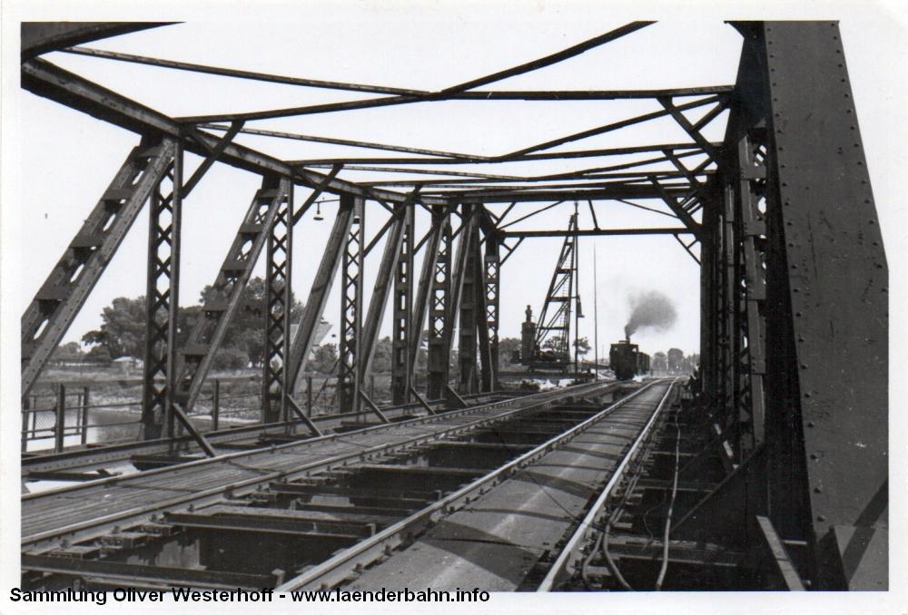 http://www.laenderbahn.info/hifo/20160304/oldenburg_huntebruecke_0502.jpg