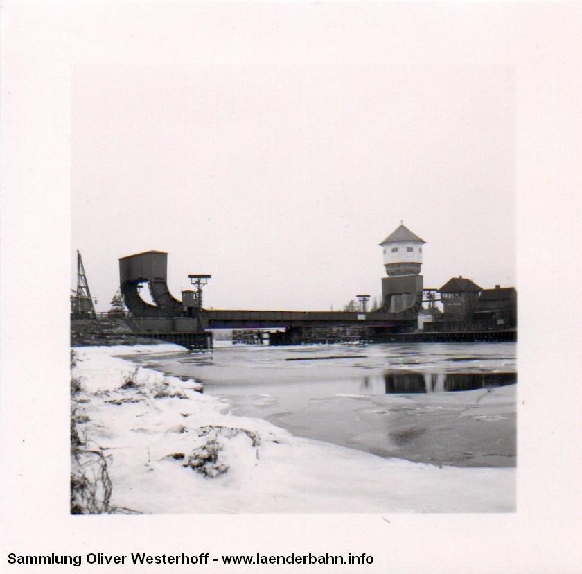 http://www.laenderbahn.info/hifo/20160304/oldenburg_huntebruecke_1007.jpg