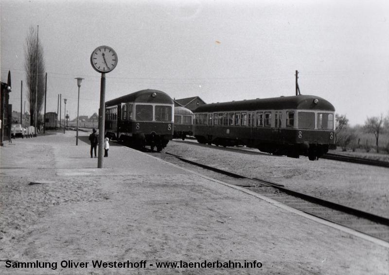 http://www.laenderbahn.info/hifo/FlohmarktfundFotoalbum/1970-kiel-schoenberg/kiel_0004.jpg