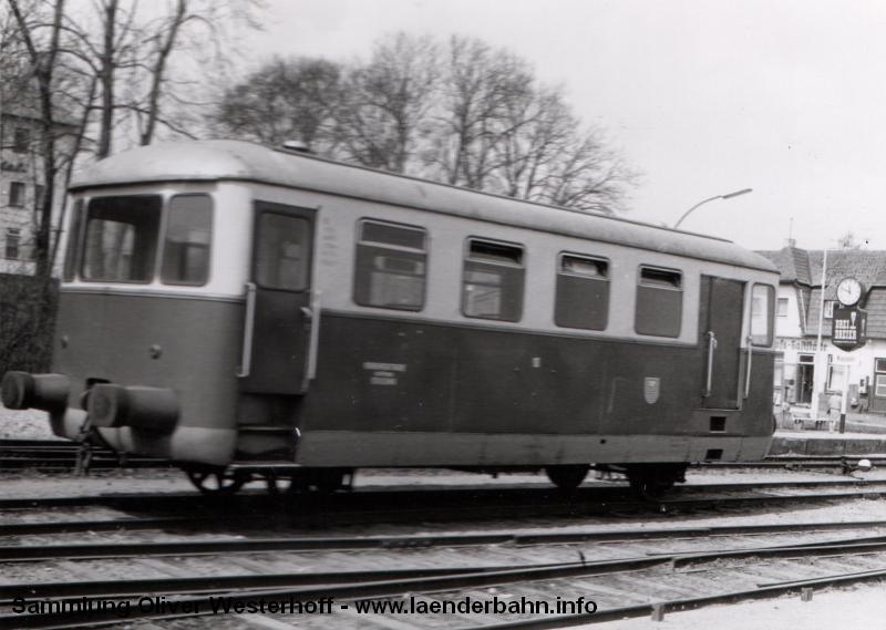 http://www.laenderbahn.info/hifo/FlohmarktfundFotoalbum/1970-kiel-schoenberg/kiel_0005.jpg