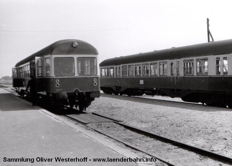 http://www.laenderbahn.info/hifo/FlohmarktfundFotoalbum/1970-kiel-schoenberg/kiel_0007.jpg