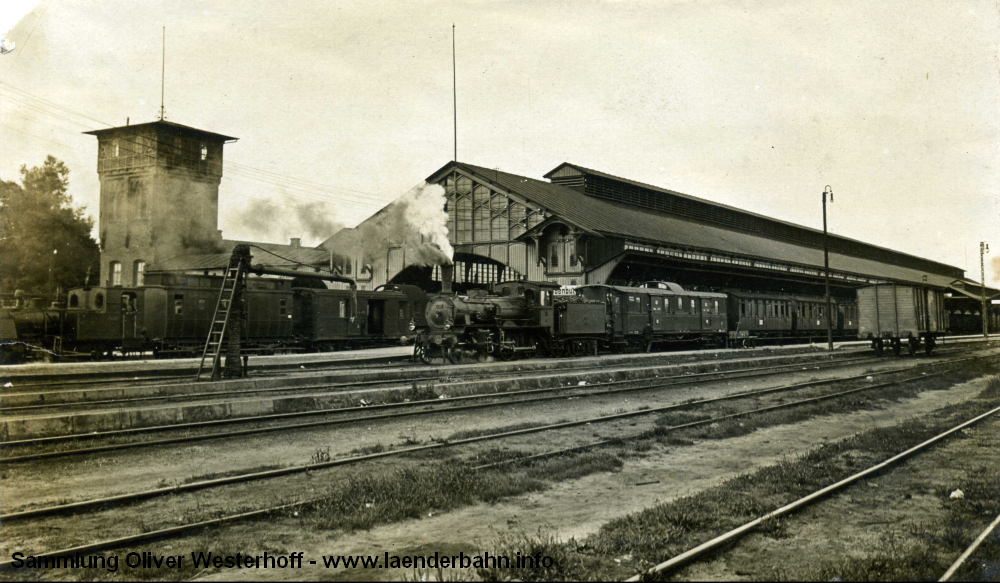 http://www.laenderbahn.info/hifo/zugrossherzogszeiten/oldenburg1/oldenburg_centralbahnhof_0007_um1910.jpg