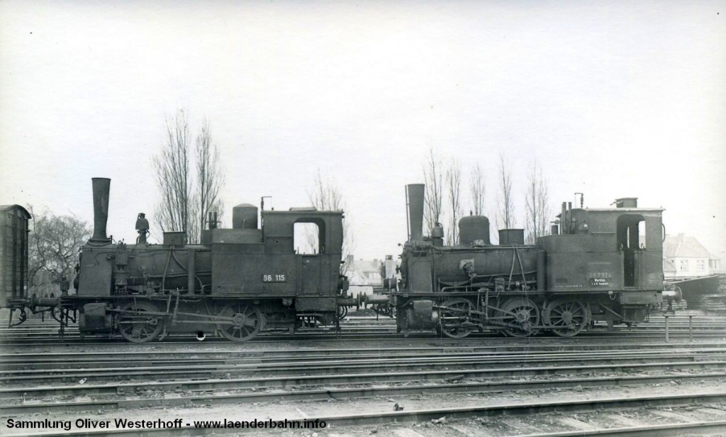 """T 2 Nr. 201 """"STEINBOCK"""" als Reichsbahnnummer 98 115. Hier zusammen mit 89 7324, einer preussischen T 3."""