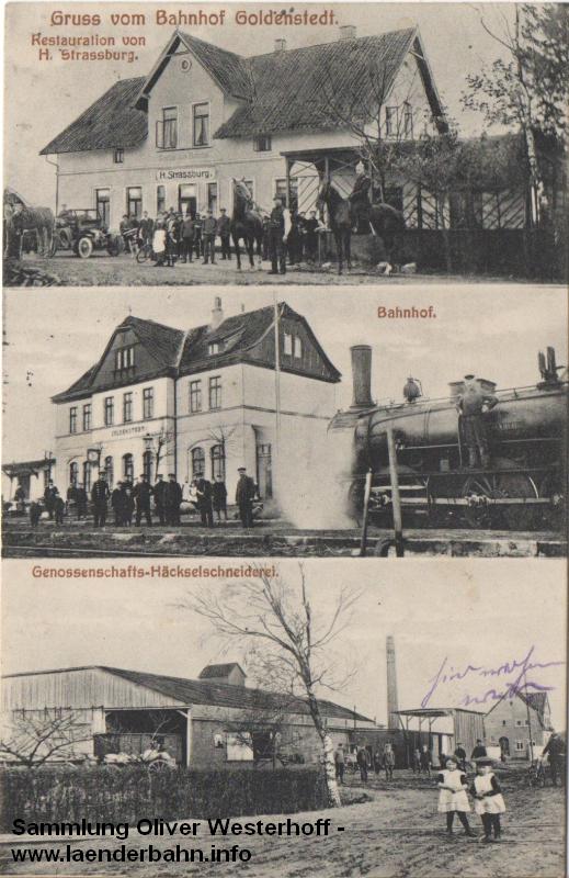 Auf Bahnhof Goldenstedt posieren die Bediensteten vor dem Gebäude und auf der Lokomotive, einer oldenburgischen G 4.2, für das Foto