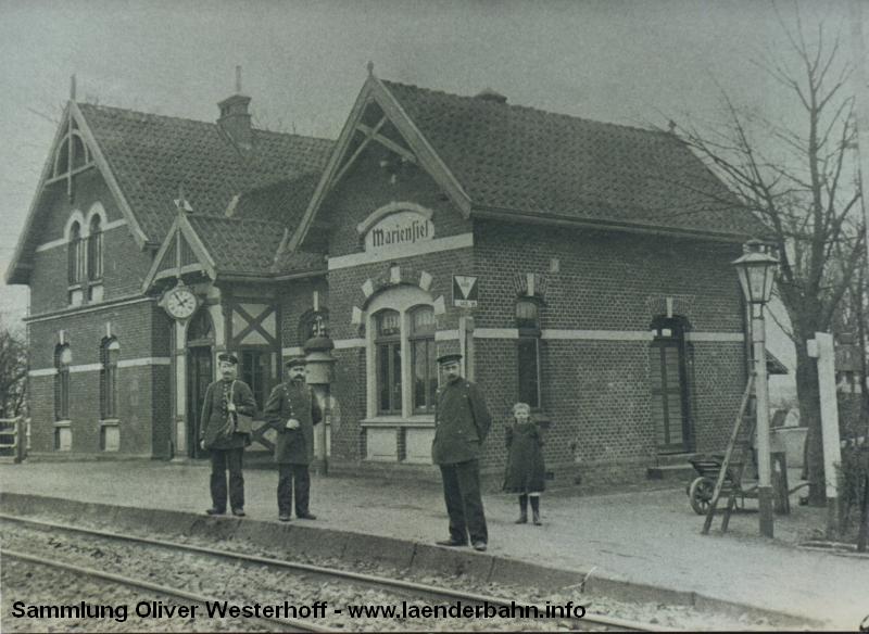 Ein altes Foto zeigt den Bahnhof Mariensiel um 1900