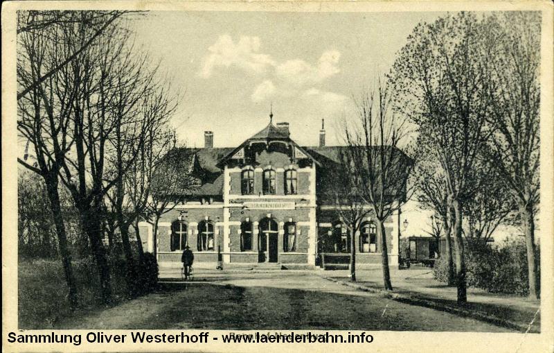Der prachtvolle Bahnhof von Neuenburg.