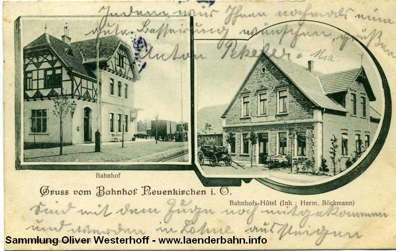 Der Bahnhof Neuenkirchen mit einem schönen Fachwerk im Obergeschoß.