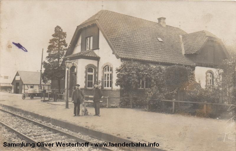 Ein altes Foto zeigt den Bahnhof Rechterfeld etwa Mitte der 1920er Jahre.