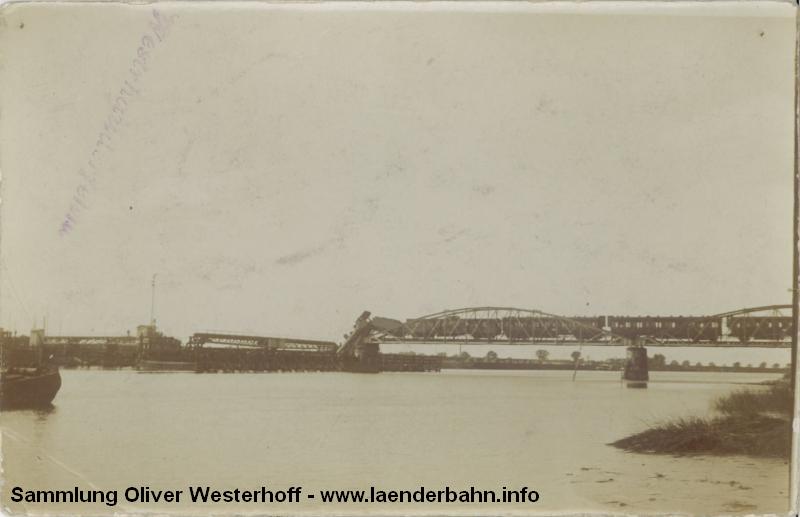 Der gesamte Zug auf der Emsbrücke