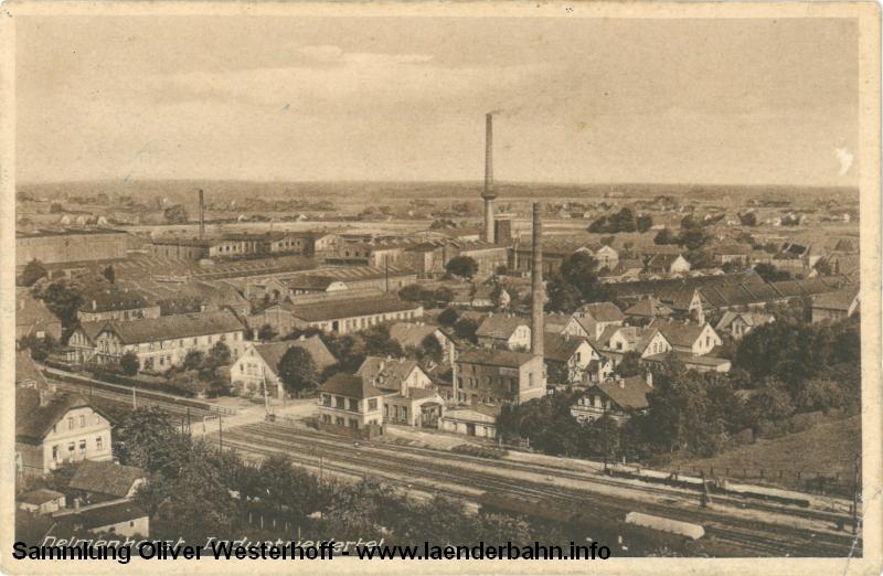 Der Bahnübergang Mühlenstraße auf einer 1931 versandten Ansichtskarte.
