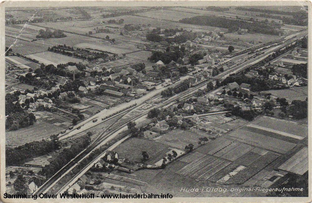 Noch ist die Welt in Ordnung, weitestgehend unverändert zeigt sich der Inselbahnhof Hude in den 1960er Jahren.