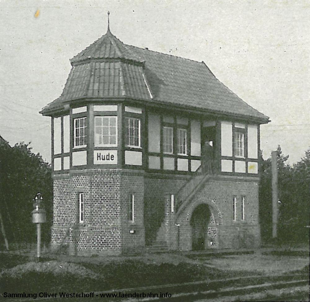 In der Festschrift zum 50 jährigen Bestehen der G.O.E. von 1917 ist das Stellwerk am Bahnübergang Georgstraße. Das Stellwerk wurde ca. 1980 abgerissen.