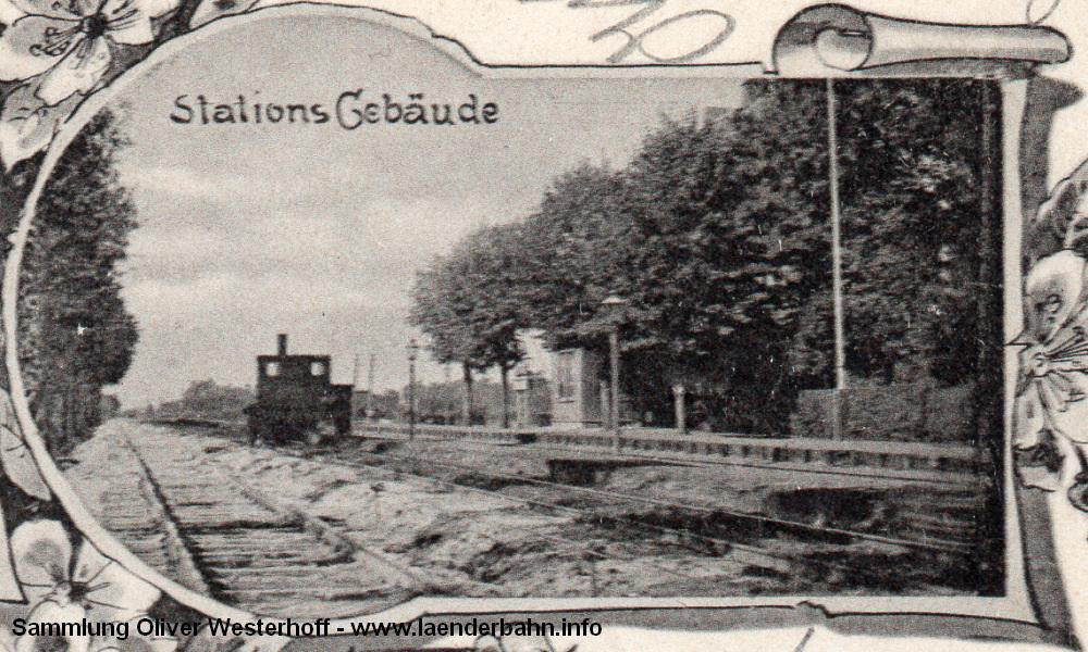 Die Ausschnittvergrößerung des Bahnhofsbildes lässt nicht erkennen, was für eine Lokomotive da auf den Gleisen steht, eventuell ist es eine T O.