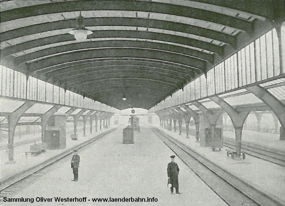 Aus der Denkschrift zum 50 jährigen Bestehen der G.O.E. von 1917 stammt die folgende Ansicht auf die Bahnsteige.
