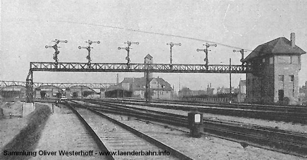 Ebenfalls aus der Denkschrift zum 50 jährigen Bestehen der G.O.E. stammt die folgende Ansicht der Signalbrücke zwischen Pferdemarkt und Bahnhof.