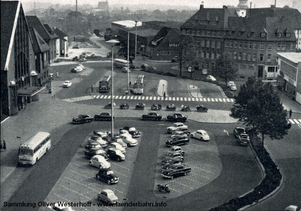 Eine weitere Ansicht des Platzes, aufgenommen etwa Mitte der 60er Jahre.
