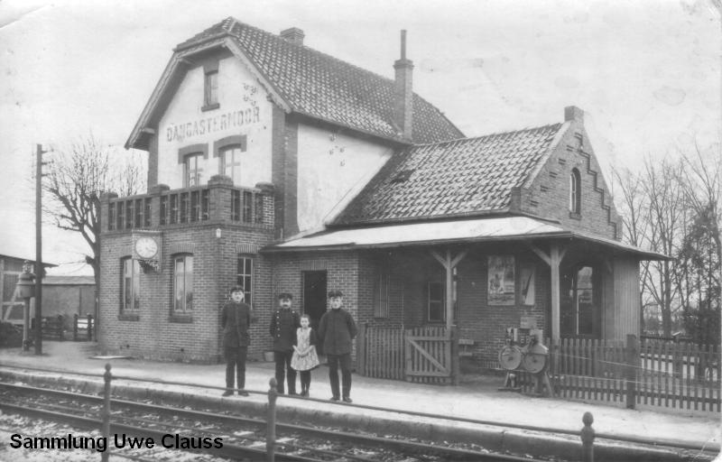 Ansicht des Bahnhofs Dangastermoor aus der Sammlung von Uwe Clauss. Die Ansicht stammt aus den 1930er Jahren.