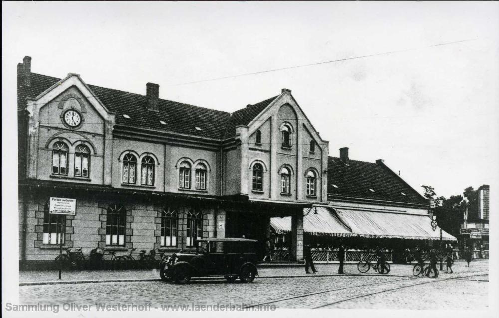 Ansicht des später im 2. Weltkrieg zertörten Teils des Bahnhofes.