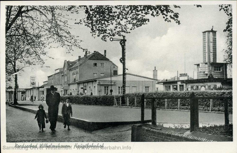 Aufnahme des durch die Zerstörungen deutlich veränderten Bahnhofes etwa um 1960.